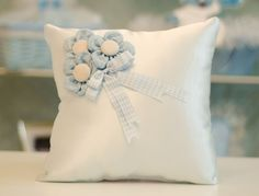 Taki yastigi Diy Pillows, Throw Pillows, Crochet Pillow, Shabby Chic Furniture, Kids And Parenting, New Baby Products, Diy And Crafts, Baby Boy, Projects To Try