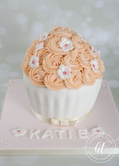 We produces delicious handmade and beautifully decorated cakes and confections for weddings, celebrations and events. Giant Cupcakes, Celebration Cakes, Handmade Wedding, Celebrity Weddings, Heavenly, Cake Decorating, Celebrities, Desserts, Food