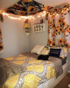 The Sunflower Tapestry Dorm Room Designs, Girl Bedroom Designs, Bedroom Styles, Sunflower Room, Sunflower Flower, Sunflower Design, Yellow Sunflower, Yellow Room Decor, Cute Room Decor