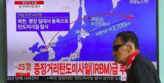 """Corea del Norte lanza un misil que sobrevuela Japón    El primer ministro nipón califica el lanzamiento de """"grave y sin precedentes"""". El C..."""