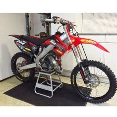 @brently244 Follow my partners @slideinmx @motodirt @mx_race1 @dirt_samplersmx @smpmedia @spectacularriders @dailymotofeverwant your bike or video posted? Follow me then Send it in Be sure to follow me for awesome motocross photos @speed_mx @speed_mx @speed_mx @speed_mx @speed_mx #dirtbike #dirtbikes #dirtbiking #dirtbikecrash #cr #cr500 #crash #cr125 #cr250 #cr85 #honda #yamaha #ktm #kawasaki #suzuki #fmf #fmx #fuel #bikelife #motolife #ama #wheelie #stunts by speed_mx