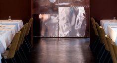RICHARD  Französische Haute Cuisine der Extraklasse, ein edles und unaufdringliches Ambiente aus einem historischen Altbau gepaart mit moderner Kunst und ein leidenschaftliches Team – dafür steht das Restaurant Richard in der Köpenicker Straße in Berlin-Kreuzberg.  Jetzt reservieren: https://www.quandoo.de/richard-357?TC=DE_DE_PIN_10000004_10000337&utm_source=facebook&utm_medium=social&utm_campaign=DE_DE_PIN_10000004_10000337