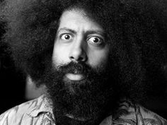 Reggie Watts works on the edge of improv performance -- at a place where you can almost visibly see his brain moving, as he pulls spoken and musical snippets from the sonosphere and blends them into a stream-of-consciousness flow.