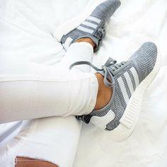 adidas Originals NMD grau weiß // Foto: mariajoosefine |Instagram