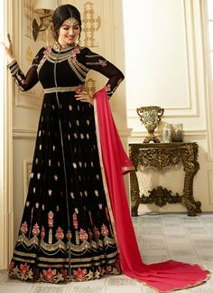 Buy Bollywood Ayesha Takia Black Georgette Anarkali Churidar Suit With Dupatta - Anarkali Suit for Women from Andaaz Fashion at best prices. Salwar Kameez, Anarkali Churidar, Long Anarkali, Black Anarkali, Lehenga Choli, Silk Anarkali Suits, Churidar Suits, Costumes Anarkali, Floor Length Anarkali