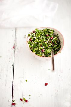 1 cup chopped parsley, 1/2 cup chopped mint leaves, 1/4 cup fine grind bulgur, pomegranate seeds for the sauce: 1/4 cup pomegranate juice, 2 tablespoons extra virgin olive oil, juice of 1/4 lemon, salt to taste