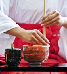 Zen and Tea Zen Buddhism has been an influence in the development of the tea ceremony. The elements of the Japanese tea ceremony is the harmony of nature and self cultivation, and enjoying tea in a formal and informal setting. Japanese_tea_ceremony