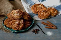 cinnamon buns - Red velvet cooking & baking