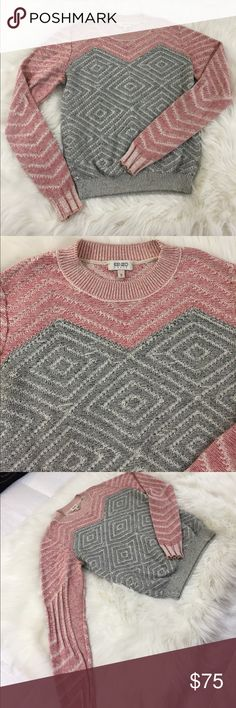 Kenzo knitted sweater S Hiii! I am selling this amazing Kenzo Paris knitted sweater! It's a size S and it has a diamond pattern, the colors are red, gray and black. Kenzo Sweaters Crew & Scoop Necks