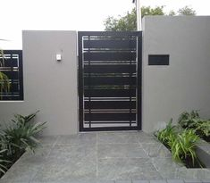 45 Ideas garden door modern entrance for 2019 You are in the right place about entrance garden Here we offer you the most beautiful pictures about the entrance ideas you are looking for. Side Gates, Front Gates, Entrance Gates, House Entrance, Entrance Ideas, House Fence Design, Front Gate Design, Door Gate Design, Modern Entrance