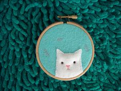 kitty on embroidery loop