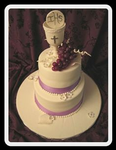 1st Holy Commnion Chalice Host Grapes Cake