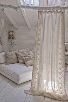 Shabby Chic Interior Design Ideas For Your Home Shabby Chic Interiors, Shabby Chic Decor, Small Apartments, Small Spaces, Cortinas Boho, Diy Curtains, Cottage Curtains, Bohemian Curtains, Bohemian Bedrooms