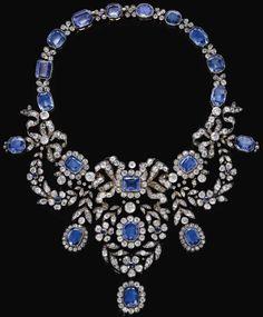 Zafiro y un collar de diamantes, a finales del siglo 19.