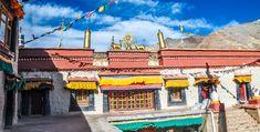 Shigatse Prefecture Travel Guide • I Tibet Travel and Tours Travel Tours, Travel Guide, Everest Mountain, Tibet, Places, Travel Guide Books, Lugares