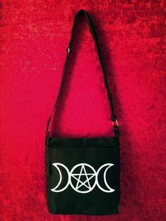 Bolso pintado a mano triple luna pentagrama por WitchDreams en Etsy