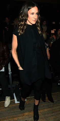 Look of the Day › February 2009 Parker added edgy Martin Margiela boots to  her all-black ensemble. Similya · Sarah Jessica Parker Style a9272ac2e3b