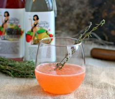 Strawberry Thyme Gin Fizz | 17 Easy And Delicious Gin And Tonic Cocktails