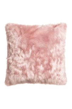 faux fur pillow h&m home (also in white) Rose Gold Room Decor, Rose Gold Rooms, Rose Gold Bedroom Accessories, Room Ideas Bedroom, Bedroom Decor, Deco Rose, Fluffy Pillows, Pink Pillows, Pink Fur Pillow
