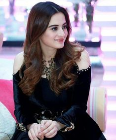 #Aiman.khan@zoha💕 Pakistani Girl, Pakistani Actress, Pakistani Dresses, Indian Dresses, Pakistani Culture, Indian Outfits, Bollywood Actress, Cute Celebrities, Celebs