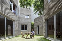 Ici on ne parle pas de cabanes dans les arbres, mais d'arbres sur les cabanes. À Ho-Chi-Minh-Ville, le cabinet d'architecture..