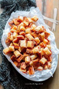 Stuzzichini per aperitivo ( 100 pezzi in 5 minuti!) Ricetta facilissima