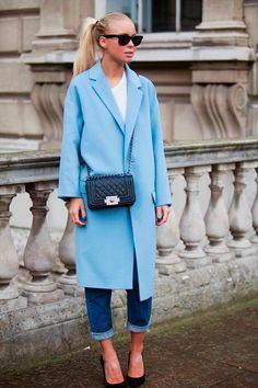 С чем носить голубое пальто (более 50 образов) | Каблучок.ру