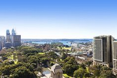 LUXURY CENTRAL SYDNEY. View of harbour/Opera House.