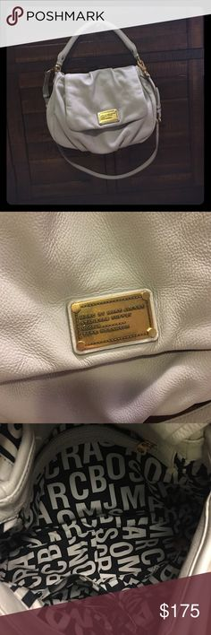 Marc by Marc jacobs handbag Pre loved Marc by Marc jacobs handbag. White. Looks brand new. No major stains or scratches. Smoke free. No trades. Comes with adjustable strap. Marc by Marc Jacobs Bags Hobos