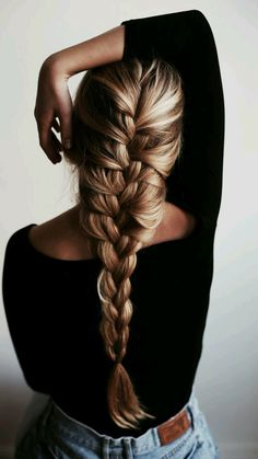 French braid hairstyles are very trendy and fashionable. They are easy to make and carry. In different hairstyles, it is best to choose a hairstyle suitable for hair texture and length. French braid hairstyles are also the eternal classic hairstyle, French Braid Hairstyles, Pretty Hairstyles, Easy Hairstyles, School Hairstyles, Amazing Hairstyles, Wedding Hairstyles, Hairstyle Braid, Princess Hairstyles, Hairstyles 2016