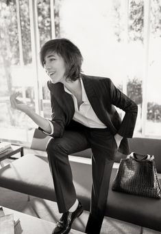 Charlotte Gainsbourg's spontaneous charm has been immortalized by Glen Luchford for the Gerard Darel Fall/Witner campaign, as the embodiment of effortless Parisian elegance. Charlotte Gainsbourg, Gainsbourg Birkin, Serge Gainsbourg, Jane Birkin, Glen Luchford, Saint Laurent Dress, Le Smoking, Style Parisienne, Best Actress Award