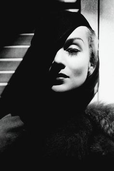 Carole Lombard photographed by George Hurrell, 1936