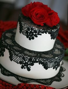 Great idea for a black, white and red wedding cake