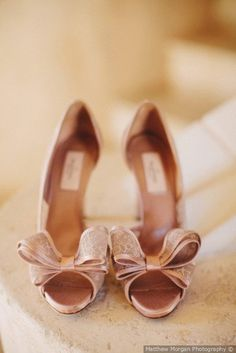 Mauve pink color wedding shoes + bow accent - wedding shoe ideas {Matthew Morgan Photography}