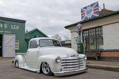 custom trucks and equipment Custom Pickup Trucks, Vintage Pickup Trucks, Dually Trucks, Chevy Pickup Trucks, Classic Chevy Trucks, Gm Trucks, Chevrolet Trucks, Classic Cars, Lifted Trucks