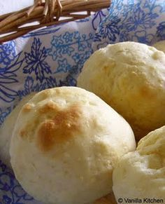 (no) plain Vanilla Kitchen: Quarkwecken Cooking Bread, Bread Baking, Cooking Recipes, I Love Food, Good Food, Yummy Food, Law Carb, German Baking, Lunch Boxe