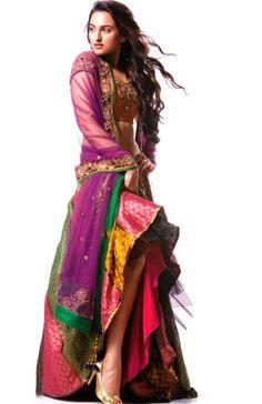 color combo - amazing How doyou topthese colors? India Fashion, Royal Fashion, Ethnic Fashion, Asian Fashion, Indian Dresses, Indian Outfits, Indian Clothes, Couture Fashion, Fashion Beauty