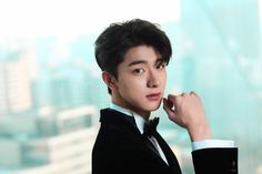 """""""Touch my family, and you die"""" *… # Aksi # amreading # books # wattpad Handsome Actors, Handsome Boys, Suit Pic, Li Hong Yi, Korean Boys Ulzzang, Chinese Boy, Celebs, Celebrities, K Idols"""