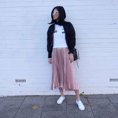 Gucci inspired style as seen on fashion blogger on MBFWA. It was feature in They All Hate Us Shop's monthly edit, as seen on fashion blogger Tash Sefton.'Such a fun skirt and love, love, love the gold! Pleated and very feminine, but so cool. Wear dressed up with heels, or with sneakers/brogues for this must have look.' - Tash and Elle from @Theyallhateyus. Pleated Skirt Outfit, Skirt Outfits, Pink Fashion, Modest Fashion, Casual Street Style, Brogues, My Outfit, Spring Outfits, Madness