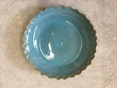 Scalloped edge plate Panama on speckle buff