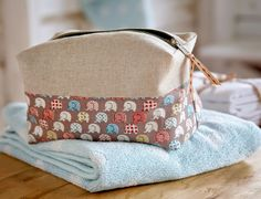 Sew What? by Debbie Shore: And More bags...
