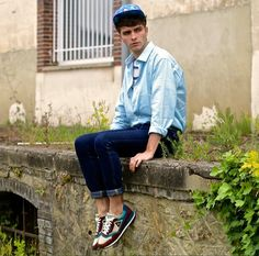 Mr. Gugu & Miss Go Peacock Feather Cap, Selected Homme Turquoise Shirt, Jeans, French Trotters For Le Coq Sportif Vintage Sneakers