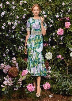 Dolce and Gabbana winter 2018 collection Beautiful Dresses, Nice Dresses, Short Dresses, Summer Dresses, Elsa Peretti, Carolina Herrera, The Dress, Karl Lagerfeld, Plus Size Fashion