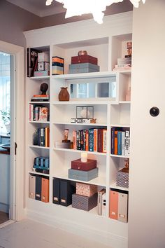 IKEA hack Billy - build in bookshelf