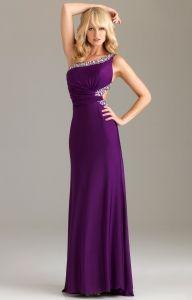 love this purple prom dress!