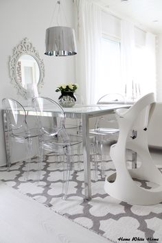 Dining space, white & transparent <3
