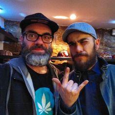 En la inauguración de la tienda de @grassrootscalifornia en #Barcelona con el amigo @judas.juice #España420 #PuffPuffPass