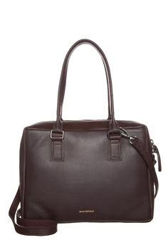 Fala Tami — O que usar na faculdade: mochilas x bolsas