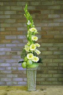Quest For Contentment: Flower Arrangements: Ikebana, Tropical and Contemporary. Glads.