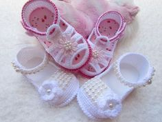 Facebook Crochet Baby Boy Hat, Knit Baby Shoes, Crochet Baby Sandals, Baby Boy Hats, Booties Crochet, Crochet Baby Clothes, Crochet For Boys, Crochet Slippers, Baby Booties